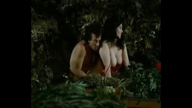 Becca Diamond con grandi tette adora la gola profonda e il mature napoletane troie sesso ruvido