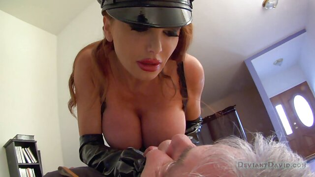Grandi Tette-Pissing babe ama amatoriale mature porno la pipì