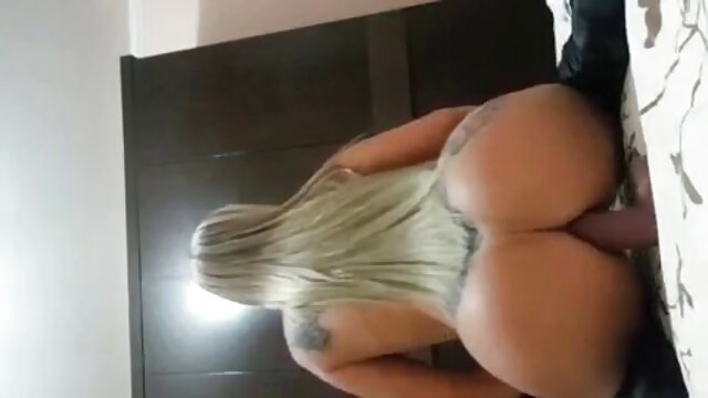 cazzo caldo bruna Anissa Kate in posa amatoriale con matura all'aperto