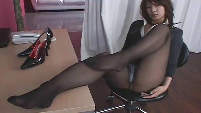 Trans principessa Hugetits masturba il suo cazzo fino allo sperma mature amatoriale gratis