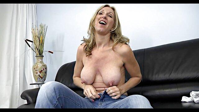 Donna cinese Da Pechino mature amatoriale gratis si masturba e succhia il cazzo californiana al casting