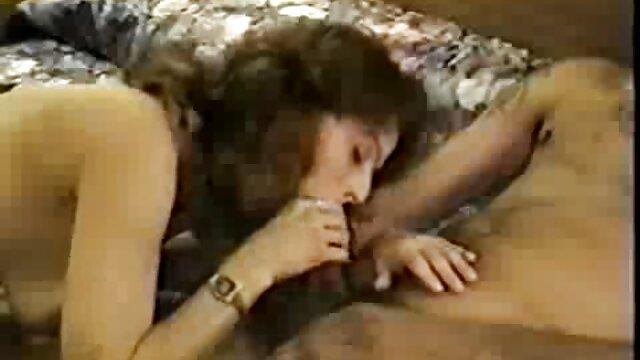 il porno donne mature amatoriale classico spettacolo di John Holmes