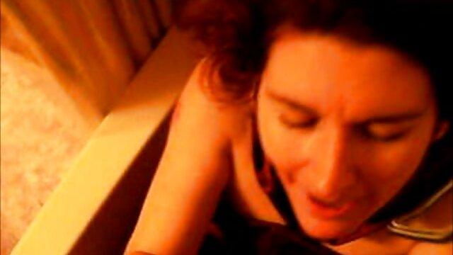 cornea shemale Janina mostra la fessura come video amatoriali italiani donne mature T-girl si sfoga