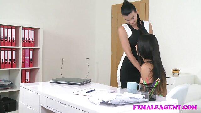 Bella Danger viene video amatoriali casalinghe mature scopata nel culo mentre lei scopa il suo culo oliato sul suo cazzo duro