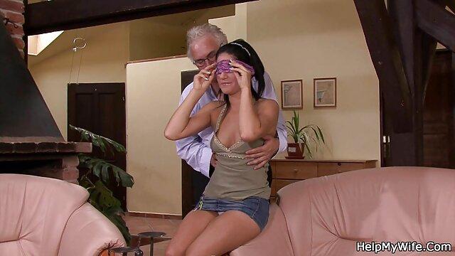 Scopata da video amatoriali con donne mature ebano cazzo fino a quando il suo fidanzato vede