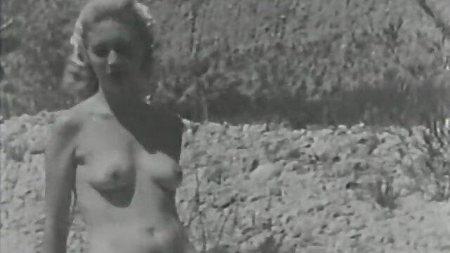 Prima scopata nel culo e eiaculazione Anale interna per una video amatoriale donne mature splendida ragazza adolescente