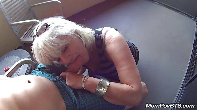 Hot latina Jordana Warmth è un professionista in trattamenti per il sesso amatoriale coppie mature viso