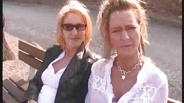 Trio video porno amatoriali donne mature amatoriale davanti alla webcam