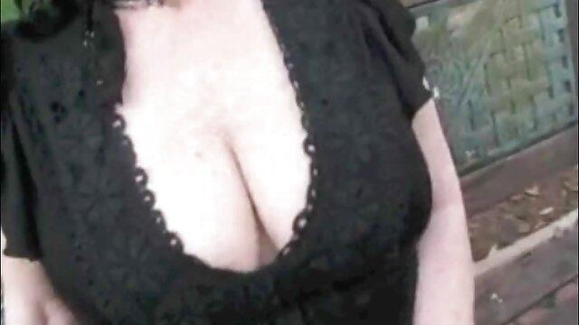 Hot Giapponese babe sesso amatoriale con donne mature Yuu Morisawa cavalca un cazzo stretto