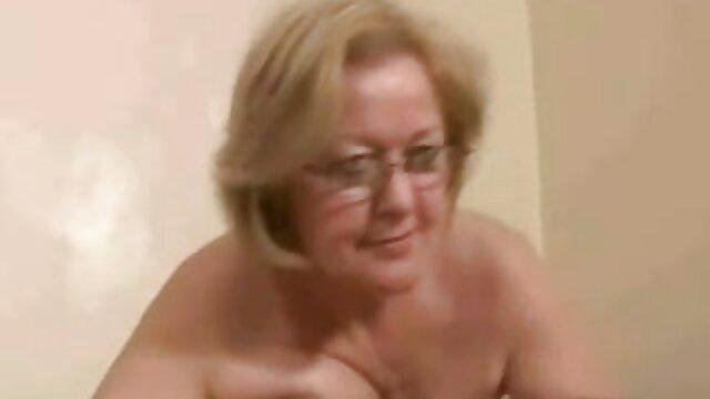 Telecamera nascosta video amatoriali porno mature in russo Spogliarello Club