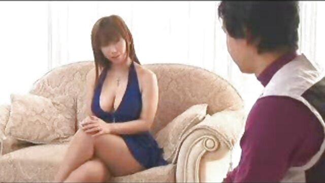 Caldo trio con filmati amatoriali donne mature giovane ragazza e vecchio duo