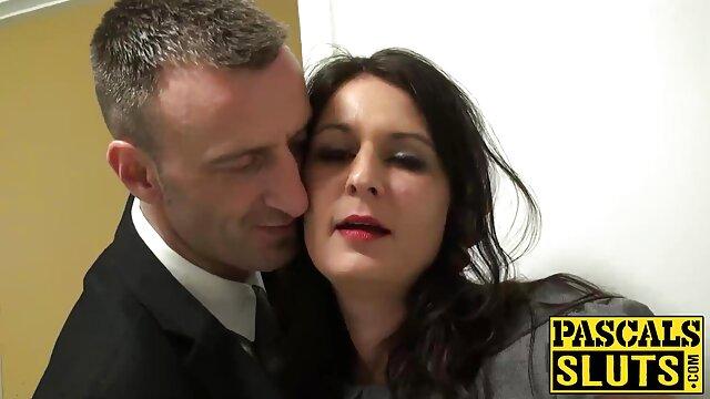 Orgia di sesso ubriaco alla festa sesso amatoriale di donne mature del club di San Valentino