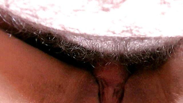 Doppia penetrazione cazzo e dildo in francese fori sesso amatoriale donne anziane