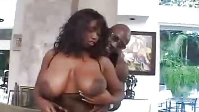 Fakeagentuk amatoriale donne mature appassionato bionda con grandi mungitura legato e scopata