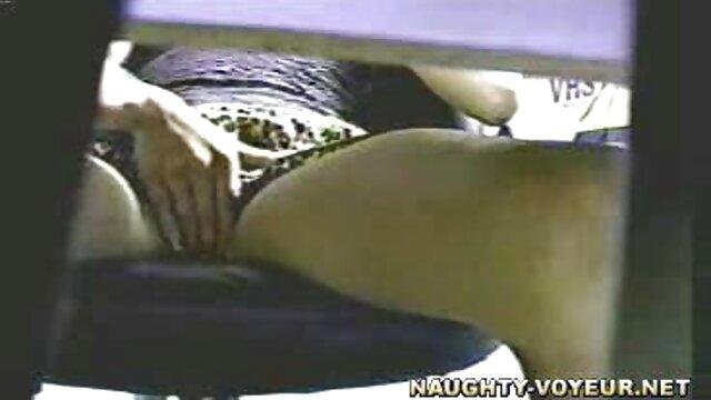 Prostituta succhia il mio mature napoletane troie cazzo nel bosco per 500 rubli