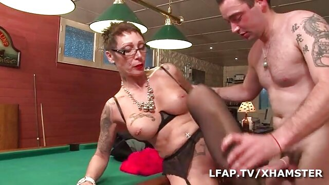 Marito guarda il ragazzo scopa il suo sesso mature amatoriale giovane mogliettina